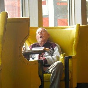 Old Man Sleeping(Blog)