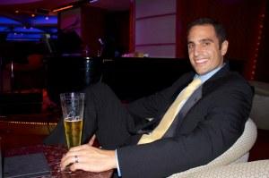 Paul at Lounge Bar(Blog)